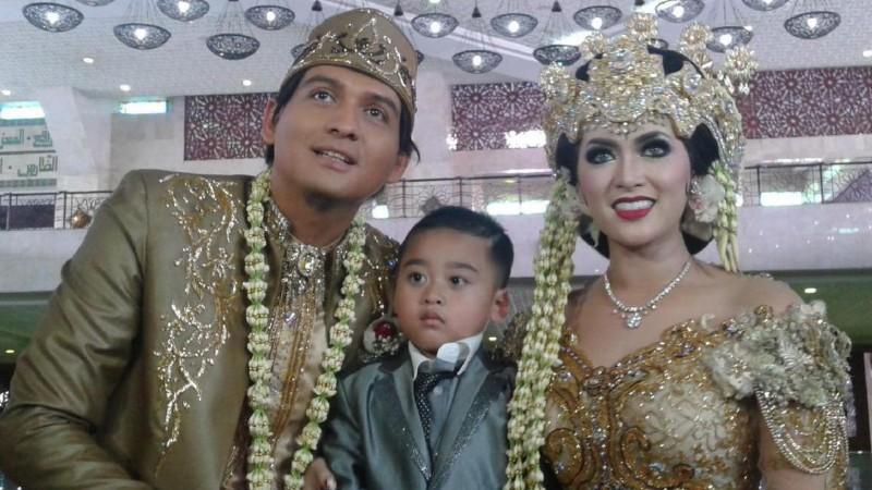 Lucky Hakim resmi menikahi Tiara Dewi