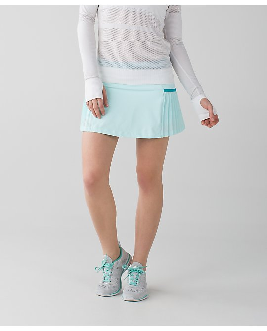 lululemon sweet-pleat-skirt