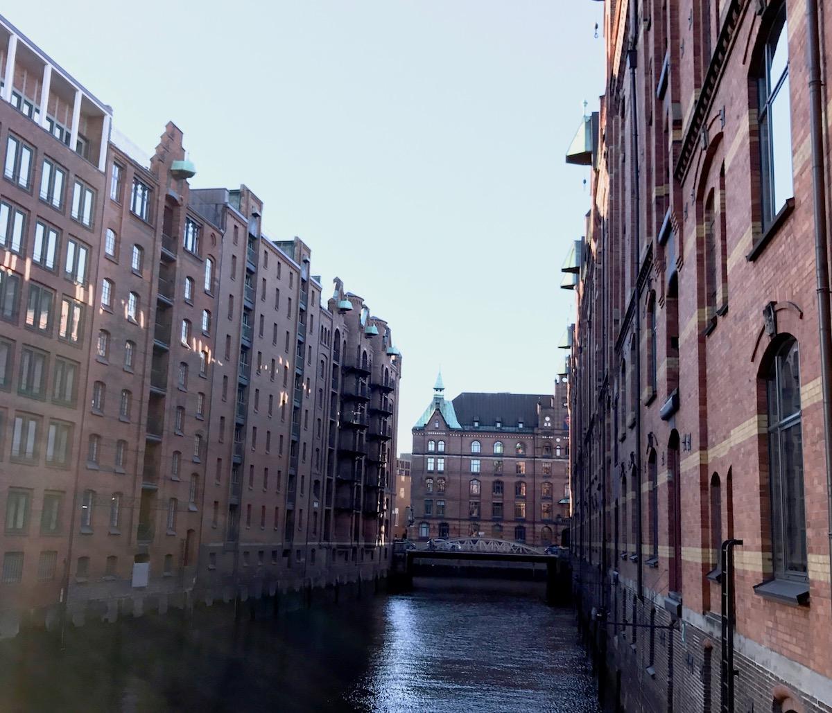 Hamburg Traveldiary: Tipps zu tollen Restaurants und Must See's Speicherstadt auf http://www.theblondelion.com/2017/02/hamburg-traveldiary-restaurants-spaziergaenge.html