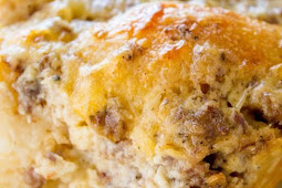 Overnight Biscuits and Gravy Casserole