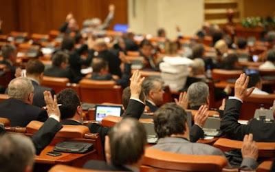 illetékek, adók, Románia, választási kampány, PSD, Liviu Dragnea, környezetszennyezési díj, cégbejegyzési illeték, az ideiglenes útlevél-illeték, rádió- és televízió-előfizetési díj