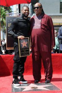 Acompañando a Usher en la ceremonia de entrega de la estrella del rapero en el Paseo de la Fama de Hollywood (Septiembre 2016)