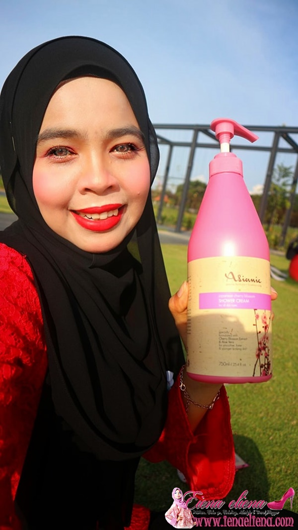 Review Asianic Cherry Blossom Hand and body lotion