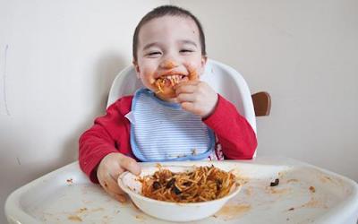 Jangan Sering Memberikan Makanan ini Kepada Anak, Sebab Akan Melemahkan Otak!