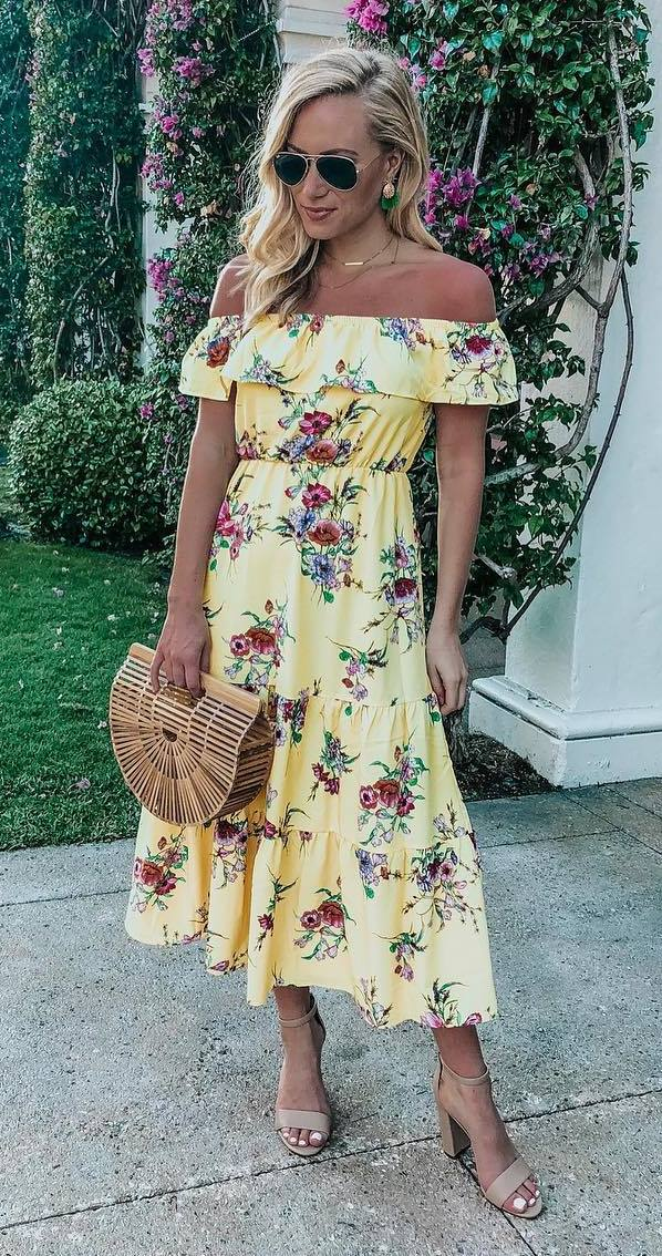 what to wear this summer : bag + yellow printed midi dress + heels