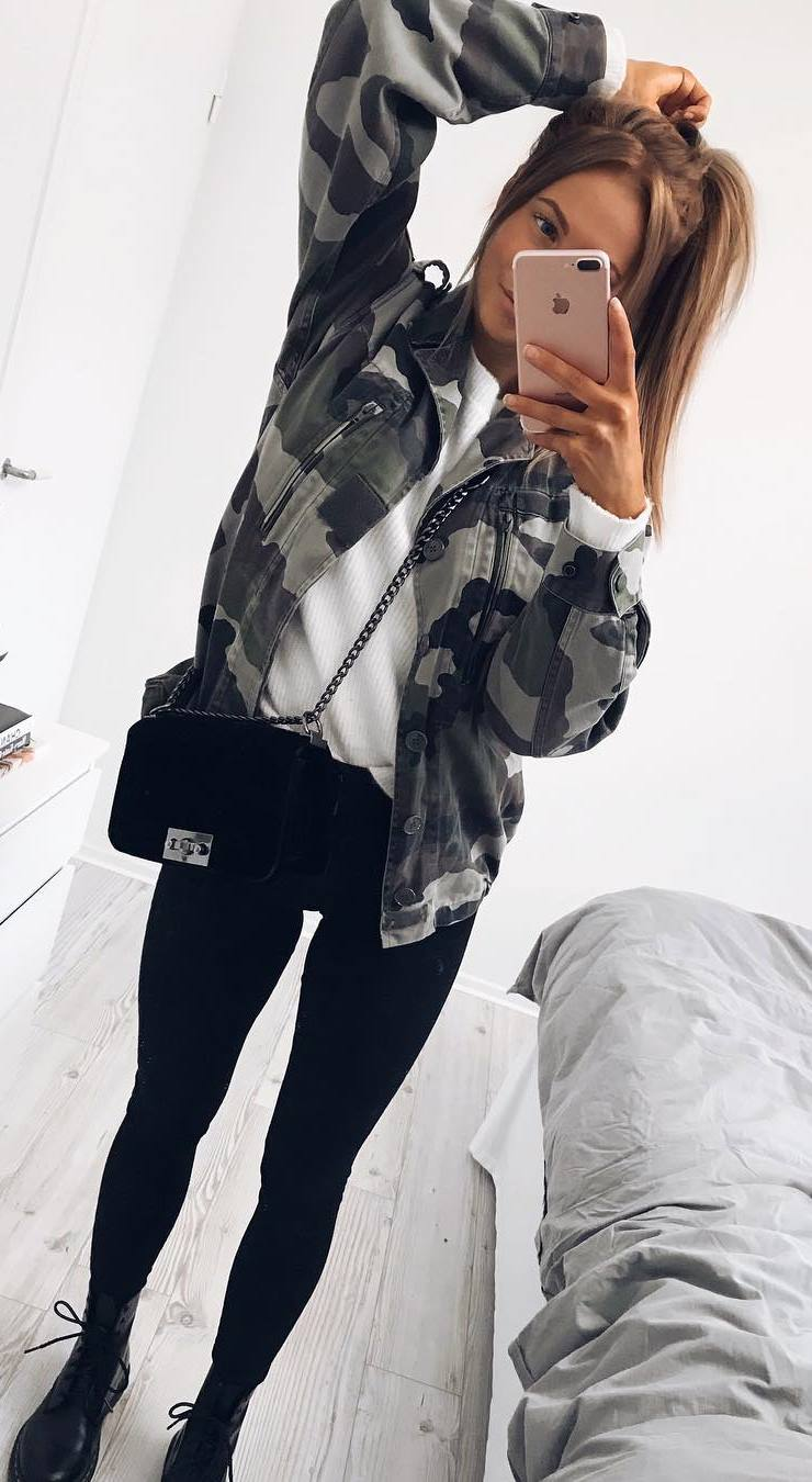 hoe to style a khaki jacket : top + bag + black skinny jeans + boots