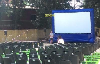 noleggio schermo cinema aperto gonfiabile