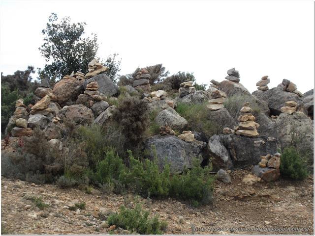 Extraños montoncitos de piedras, qué modas
