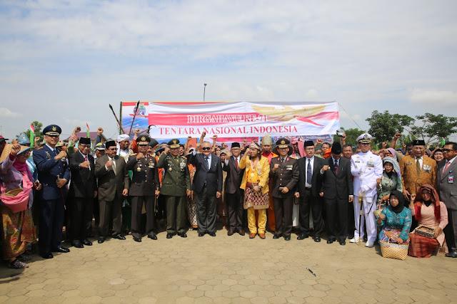 HUT TNI ke 71 Bersama Rakyat Bangsa Semakin Kuat