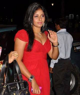 actress%2Banjali%2Bhot%2Bin%2Bred