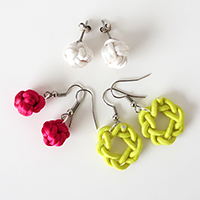 http://www.ohohdeco.com/2013/07/diy-knot-earrings.html