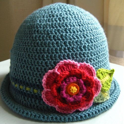 Crochet Hat with Flower - Tutorial
