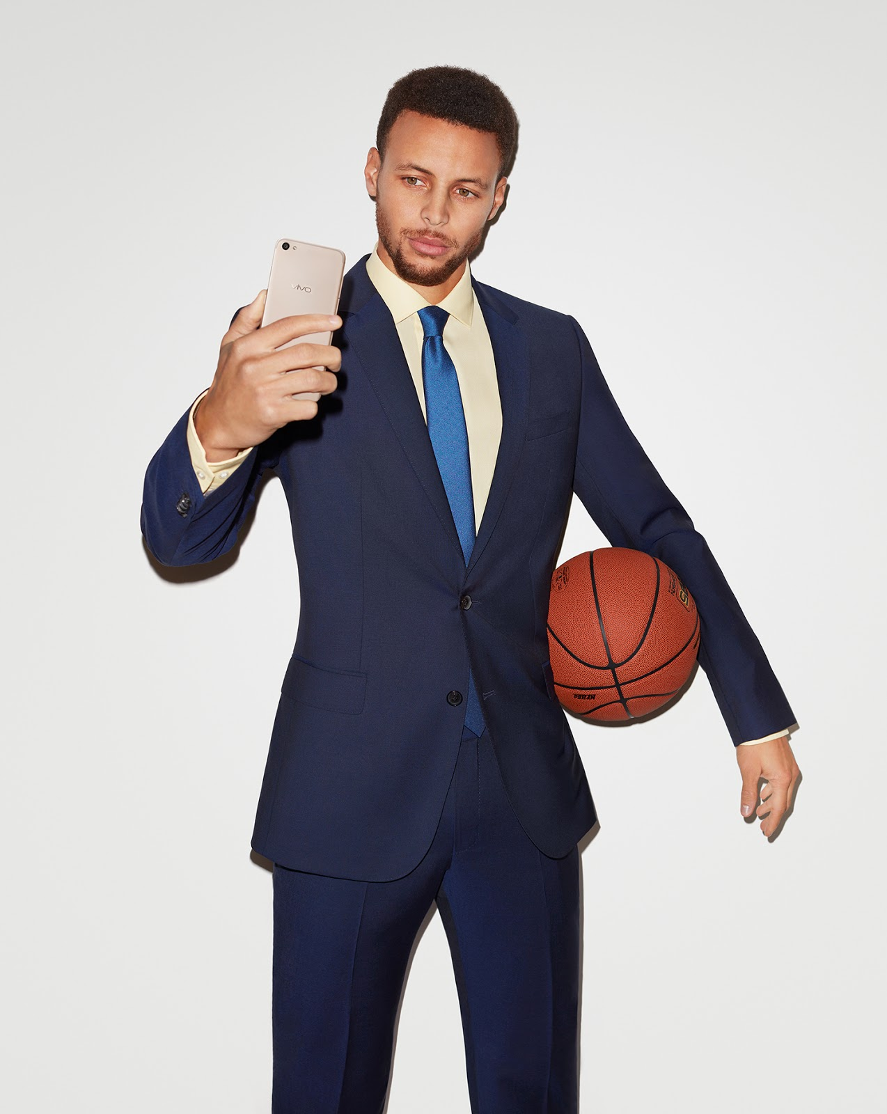cad85cdd6597 Top five premium global brand1 Vivo ambassador and National Basketball  Association (NBA) superstar Stephen Curry commends the leading smartphone  brand for ...