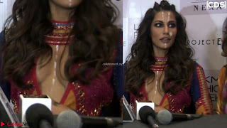 Chitrangada+Singh+walks+the+Ramp+in+Sizzling+Deep+Neck+Top+%7E+CelebsNext+Exclusive+018.jpg