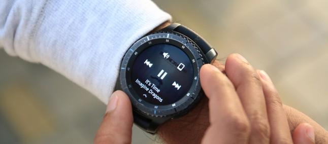 c9fec7d428f15 Samsung Gear S4 pode ser lançado com outro nome e contar com suporte para  Bixby. julho 10