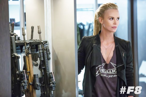 cantiknya charlize theron jadi penjahat kejam di film 39 fast and furious 8 f8 39 slidegossip. Black Bedroom Furniture Sets. Home Design Ideas