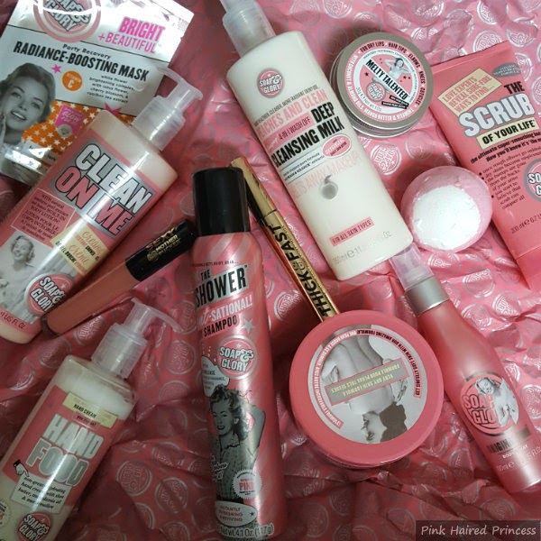 products from Soap & Glory Bubble Act Christmas set