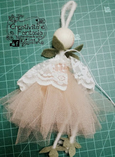 come creare un colletto arricciato per bambole