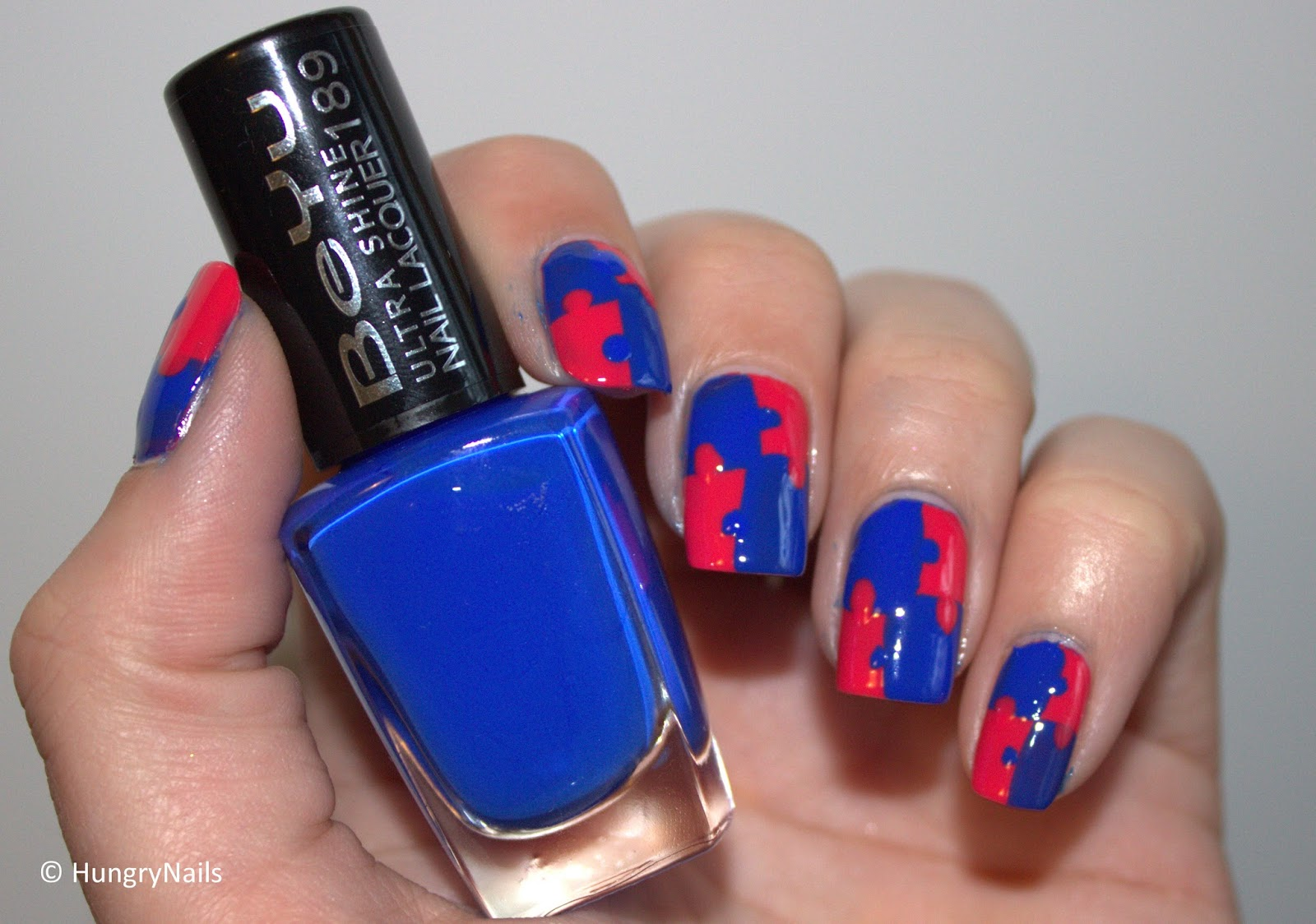 http://hungrynails.blogspot.de/2014/03/manic-monday-game-time.html
