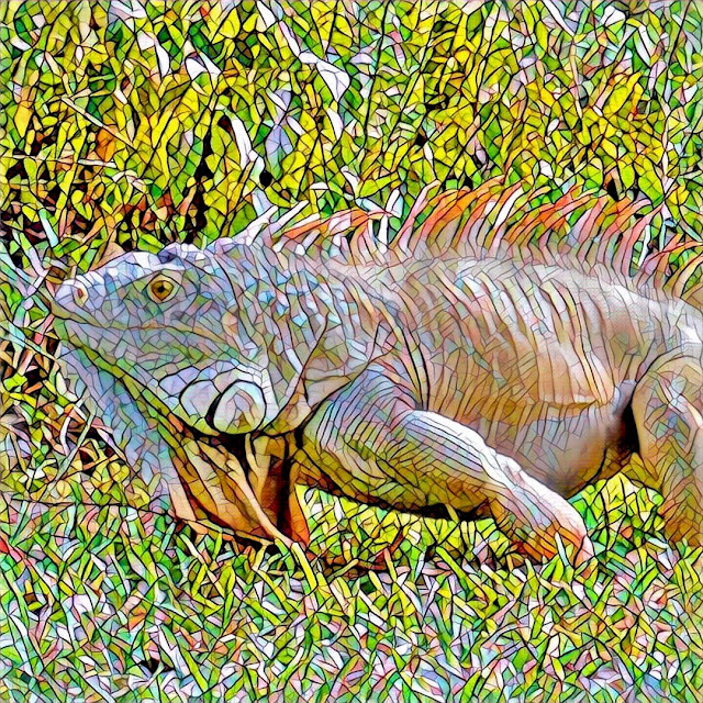 Big orange iguana (mosaic filter)