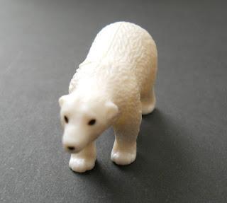 regalo de kinder sorpresa natoons oso polar