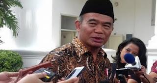 Mendikbud Bakal Berikan Uang Kaget hingga Rp. 2 Juta/ Bulan Bagi Guru di Lombok yang Menjadi Korban Gempa