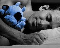 postura correcta para dormir