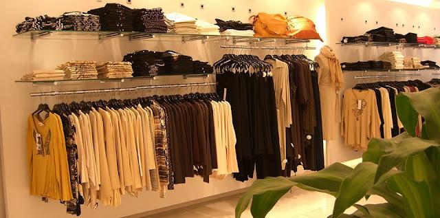 Thiết kế shop thời trang nhỏ đẹp - Mẫu số 12