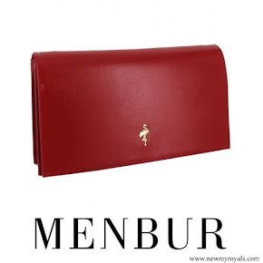 Queen Letizia carried MENBUR Malva Clutch