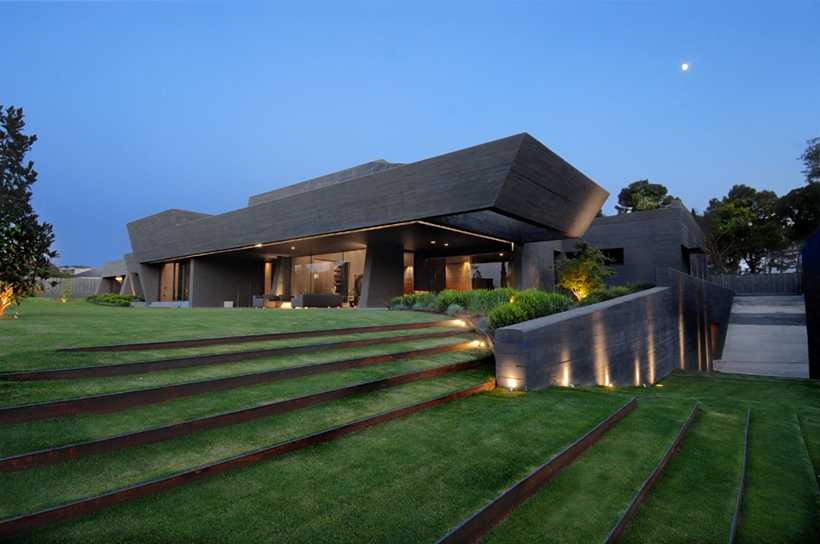 World Of Architecture: Ultra Modern Concrete House By A
