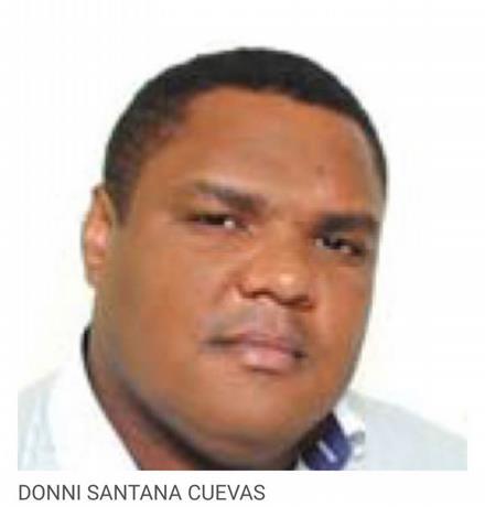 Presidente Medina destituye al embajador Donni Santana Cuevas quien ha sido imputado por incesto.