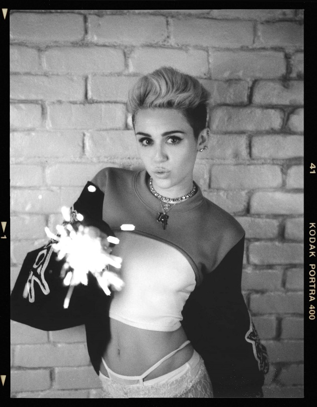 Miley Cyrus 'Bangerz' album cover and photoshoot pictures ...