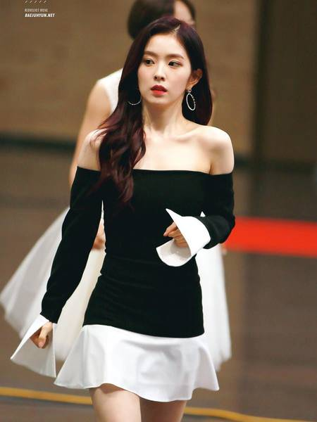 Netizens Name Red Velvet Irene As `Black Dress Goddess
