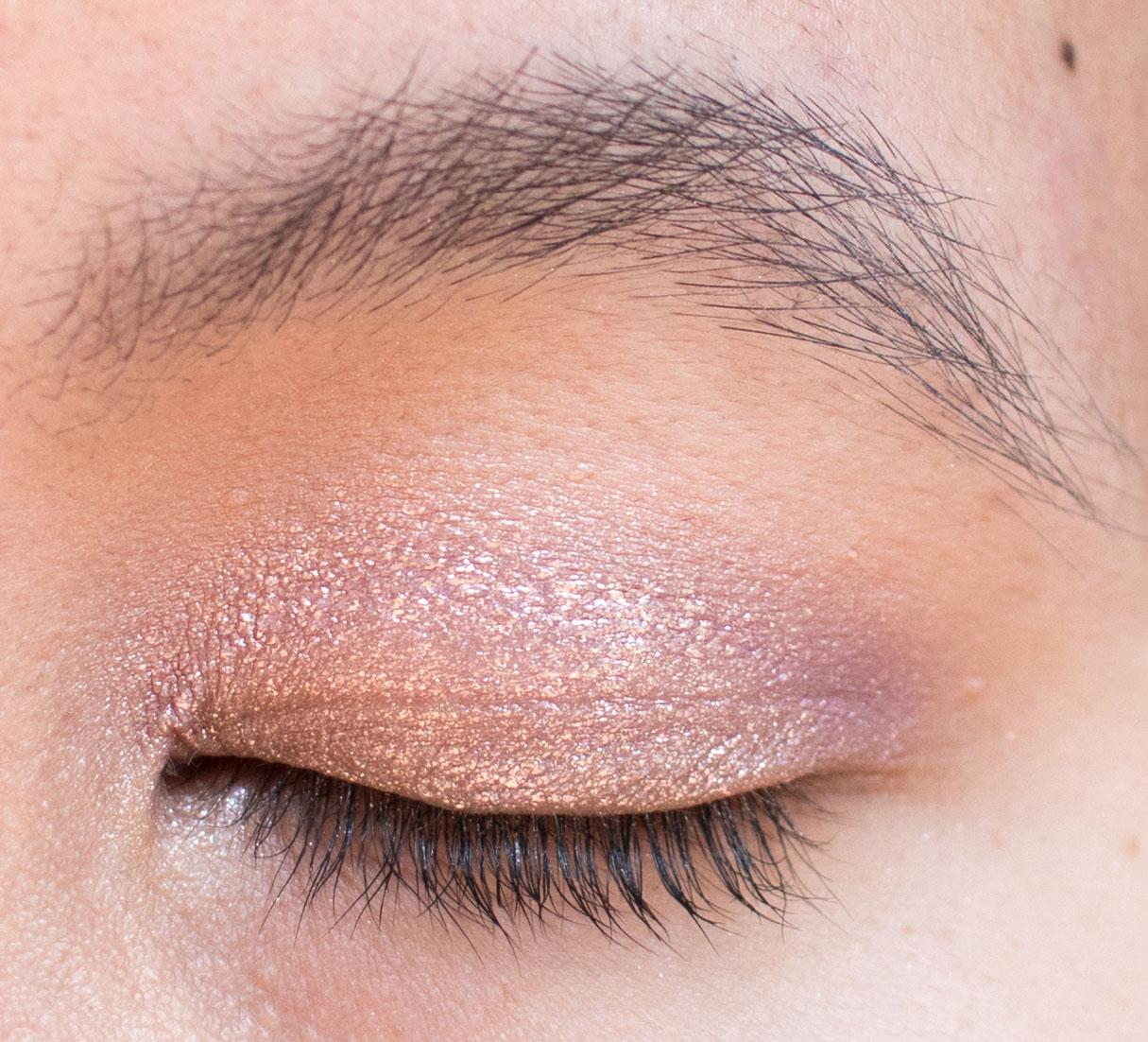 Stila Shimmer and Glow Liquid Eyeshadow Cloud Swatch