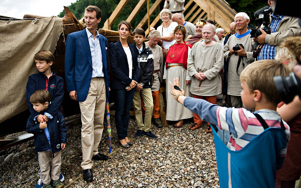 Prince Joachim as Patron of the Society for Nydam Research together with Princess Marie, Prince Nikolai, Prince Felix and Prince Henrik