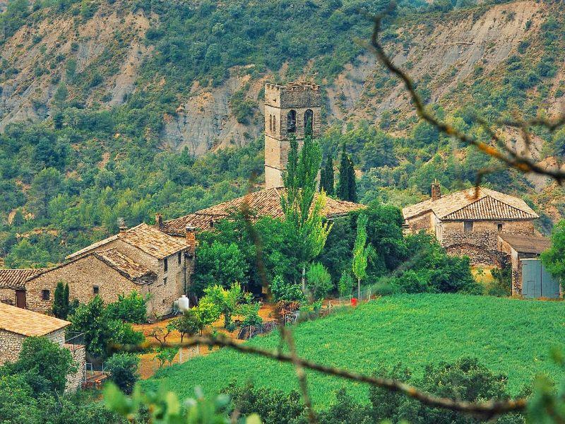 Abadía Samitier: el tiempo detenido a los pies del Pirineo