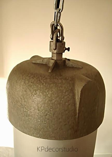 Lámparas grandes estilo industrial antiguas