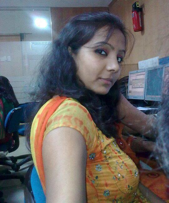 English hand job lady sonia