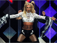 Britney Spears Suffers a Major Wardrobe Malfunction During Piece of Me Concert