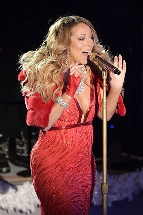 Mariah Carey sings