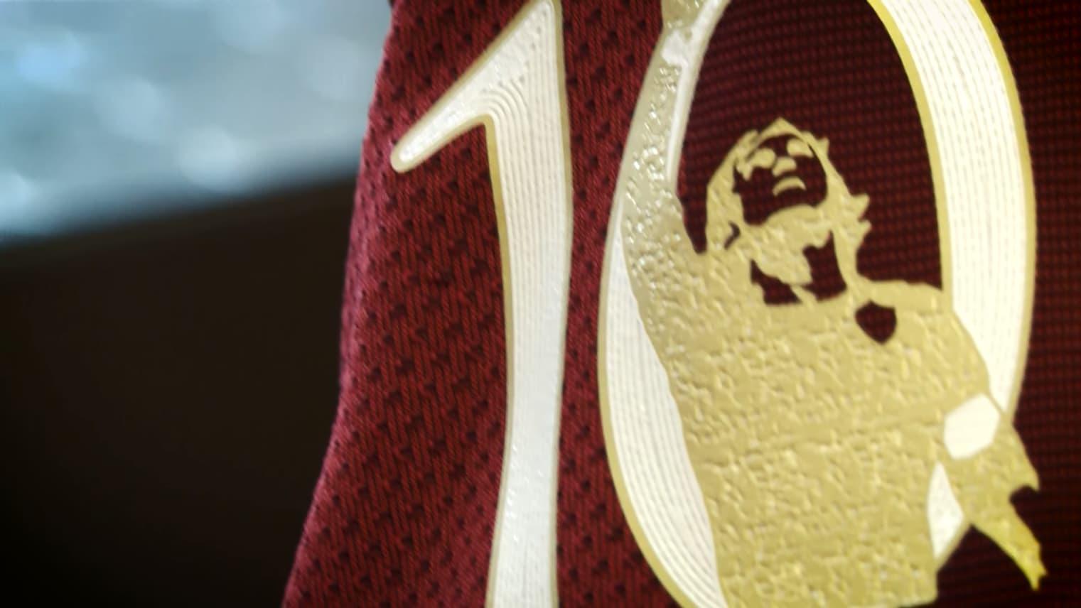 16caed0d13 Roma apresenta camisa especial para a despedida de Totti - Show de ...