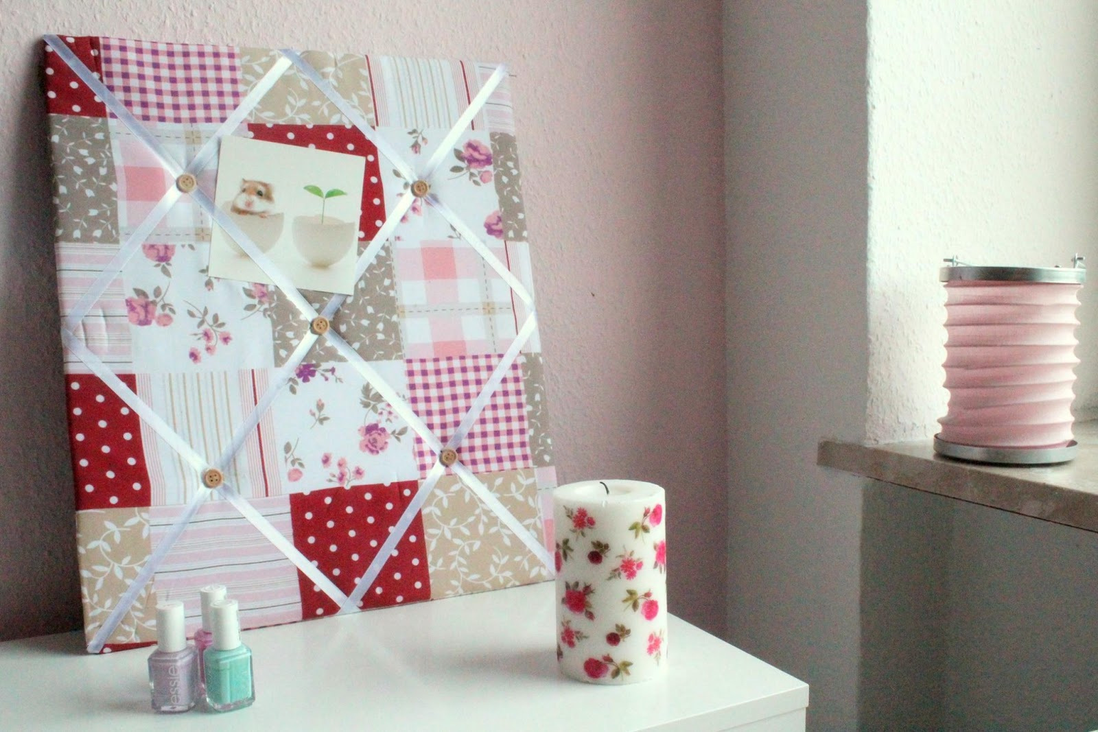 quick tipp stoffpinnwand im patchwork stil blush affair. Black Bedroom Furniture Sets. Home Design Ideas