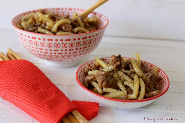 Fideos con carne y salsa Teriyaki. Julia y sus recetas