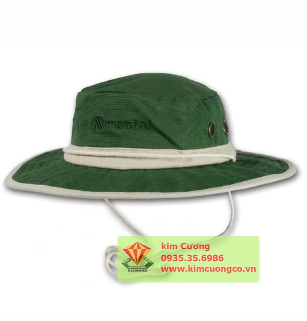 Nơi sản xuất và cung cấp nón quà tặng, nón du lịch, nón tai bèo, áo thun, áo mưa, ba lô, cờ, cán cờ giá rẻ. Liên hệ 093.258.7363