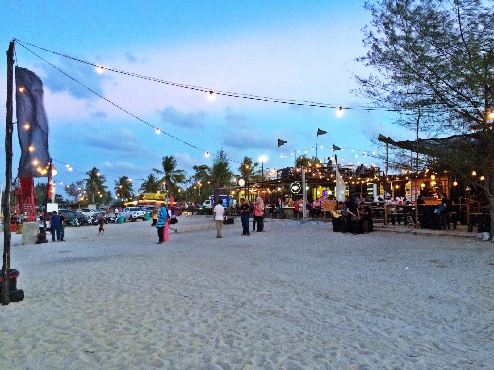 Lepak Dapo Pata Uptown Kontena Di Pantai Tok Jembal Tempat