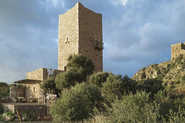 La conversione di una torre in hotel