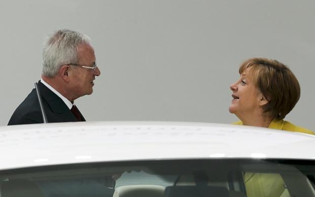 winterkorn%2Bmerkel Ο, πρώην πλέον, CEO της Volskwagen, οι σχέσεις με τη Μέρκελ και η παραίτηση Martin Winterkorn, Merkel, VW, vw σκάνδαλο