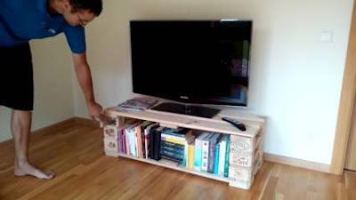 Cara Membuat Meja TV Sederhana dari Kayu Palet Minimalis Modern
