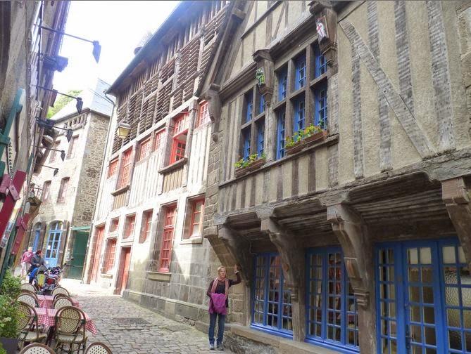 Casas de entramado de madera en la calle de Jerzual.
