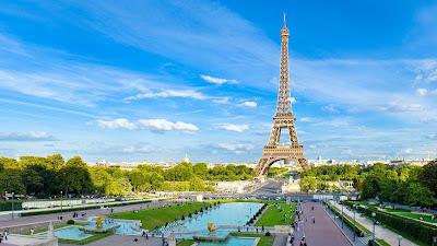 Amazing beauty around Eiffel Tower